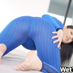 Alina Lopez in 'Wet VR' Training Session (Thumbnail 1)
