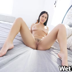 Alina Lopez in 'Wet VR' Training Session (Thumbnail 3)
