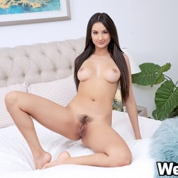 Eliza Ibarra in 'Wet VR' Caught Watching Porn (Thumbnail 3)