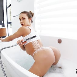 Naomi Swann in 'Wet VR' Bath Creep (Thumbnail 6)
