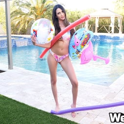 Natalia Nix in 'Wet VR' Play In The Pool (Thumbnail 1)